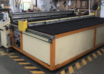 Mesa de corte para vidrio laminado Turomas modelo MX-18 + mesa de carga