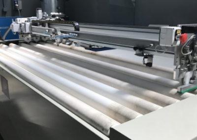 Robot de limpieza de rodillos cerámicos para hornos templado